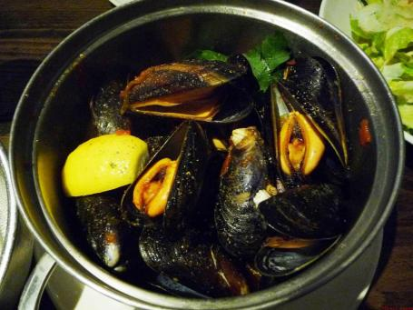 A pot of Creole mussels